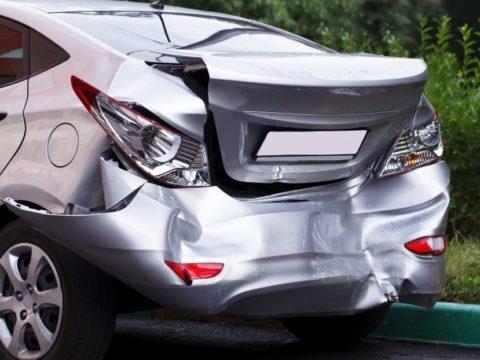auto z wypożyczalni wypadek